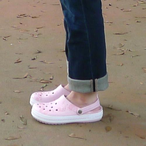 js150623-crocs04