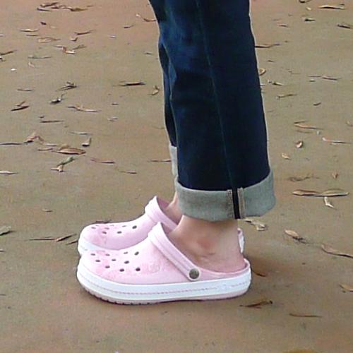 js150623-crocs05